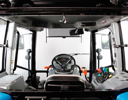Трактор LS PLUS 90 CABIN - Комфортабельная кабина  (версии CABIN)